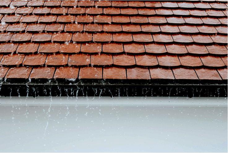 Что влияет на стоимость строительства крыши?