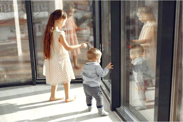 Как приспособить домашнее пространство под маленького ребенка?