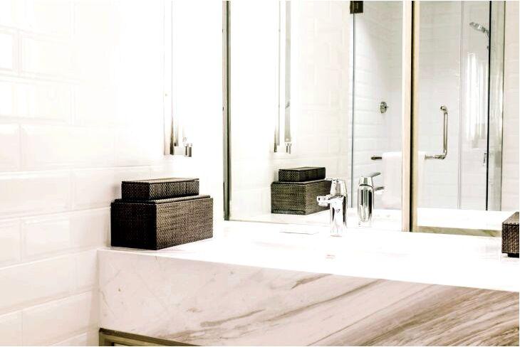 Столешница для ванной - какую выбрать столешницу под раковину?