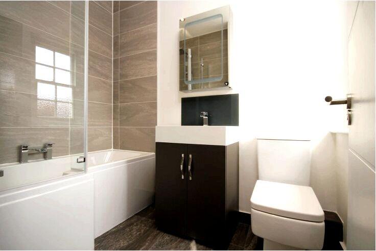 Ванна с душем - подойдет ли такая комбинация в любой ванной?