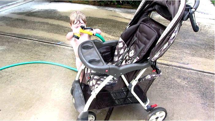 Как почистить люльку детской коляски?