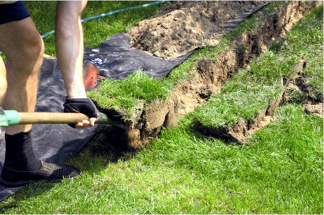Как проложить электропроводку в саду
