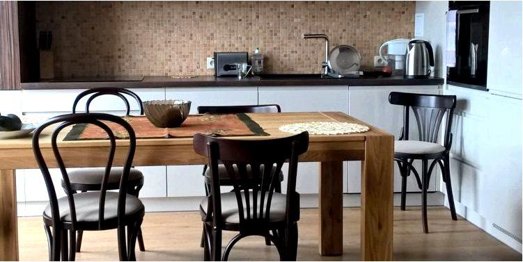 Какие стулья выбрать для кухни четыре угла