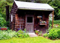 Как построить садовую баню?